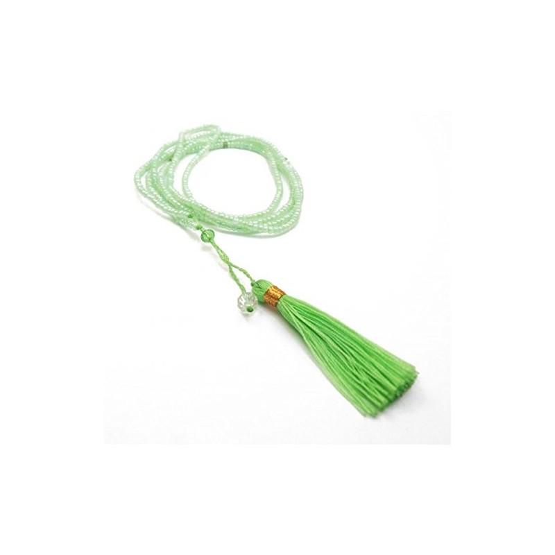 Collier long en perle de rocaille et pompom vert