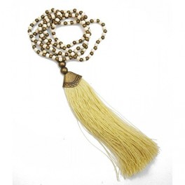Collier long perles blanches, bronze et pompom beige