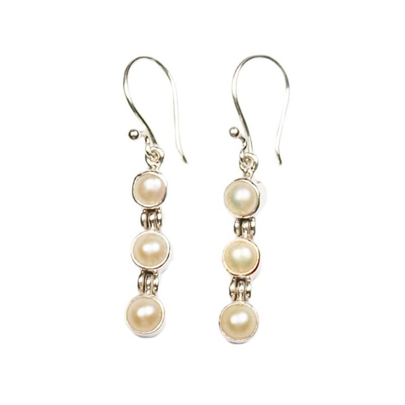 Boucles d'oreilles, dormeuses en argent et perles blanches