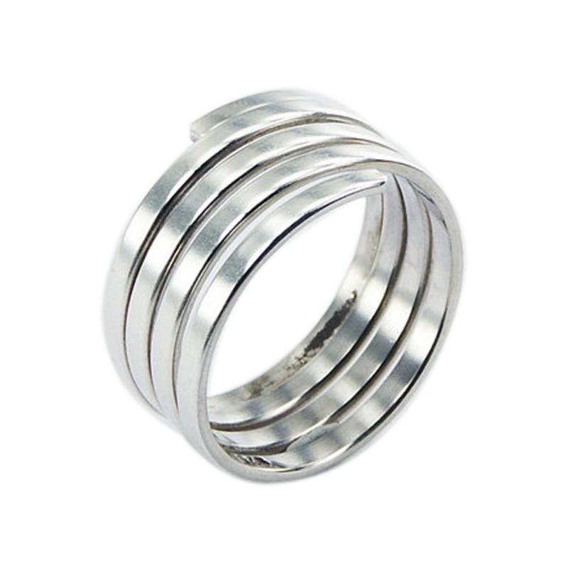 Bague, anneau, spirale en argent de qualité