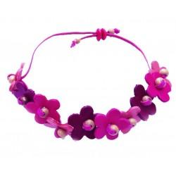 bracelet en cuir avec fleurs roses et violet