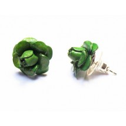 Boucle d'oreilles, puces en cuir, forme FLEUR vert