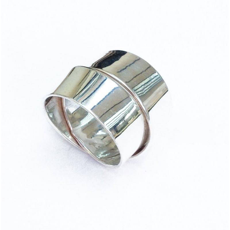 Bague, anneaux entrelacés