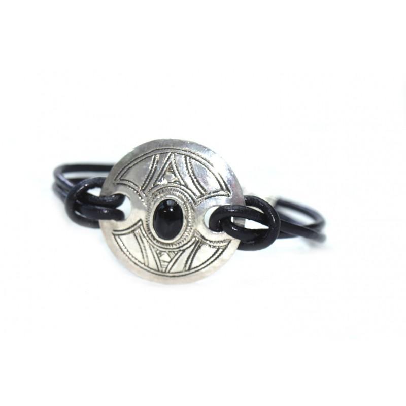 Bracelet cuir et plaque en argent grave