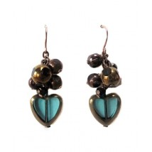 Fancy earrings heart pearls of glass