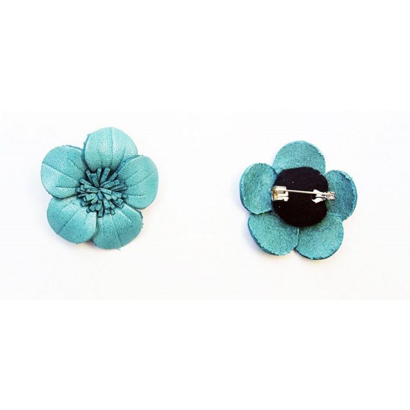 Broche cuir forme fleur de couleur noir