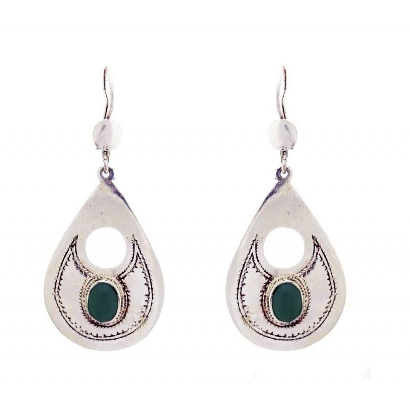 Boucle d'oreille touareg argent gravée, forme goutte, perle de verre vert